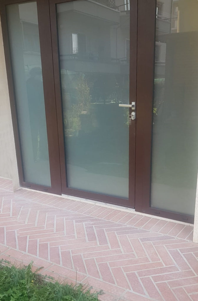 Porta esterna vetro satinato